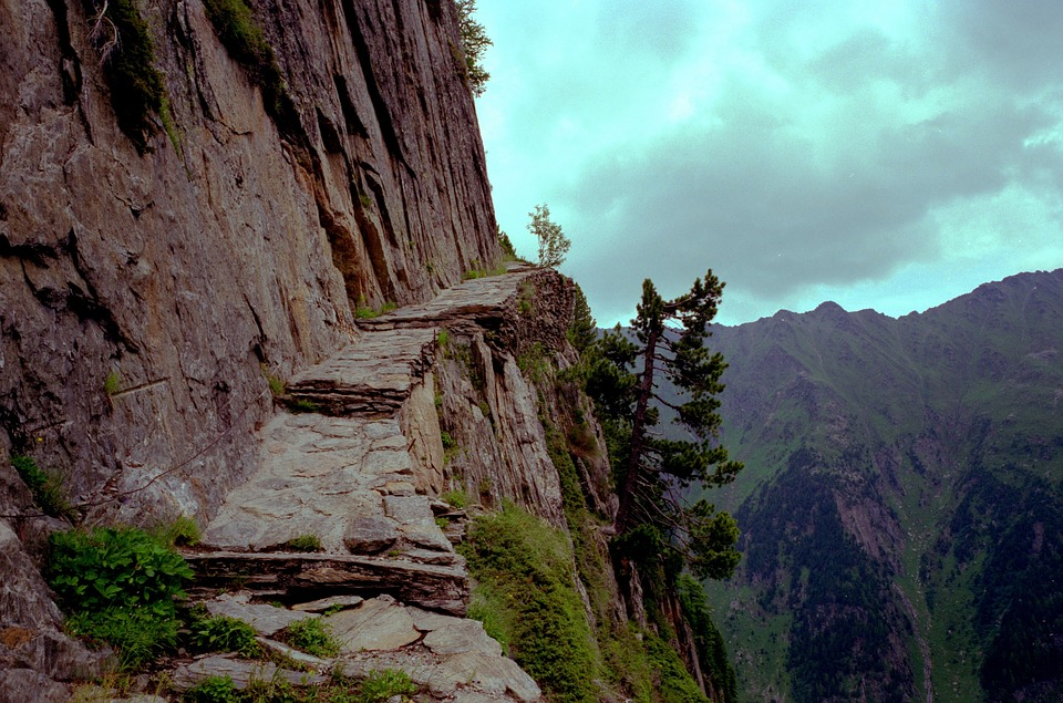 mountain-path-1119909_960_720